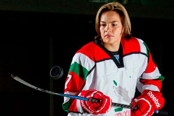 #MEXICANS #SWD #GREEN2STAY Women's hockey team wins both its games National team will travel to Kazakhstan for next Olympics qualifying round   15  1 Mexico News Daily | Monday, October 10, 2016 Mexico's women's ice hockey team has advanced to the next Olympics qualifying round after two convincing wins in Mexico City on the weekend.