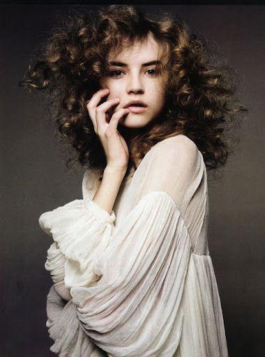 //: Girl, Inspiration, Style, Anabela Belikova, Romantic, Curly Hair, Photography
