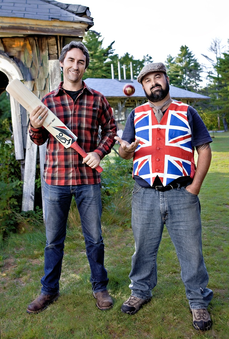 Mike Wolfe and Frank Fritz get their heads around cricket in the UK promo shoot for American Pickers.