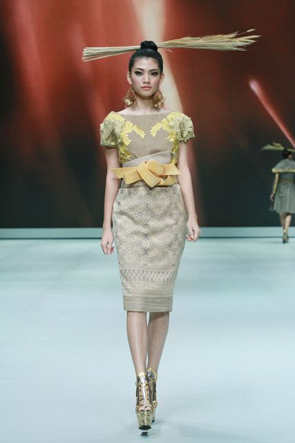 Denny Wirawan, Indonesia Fashion Week 2013 Denny Wirawan. Indonesia Fashion Week 2013. – Glamour Goddess