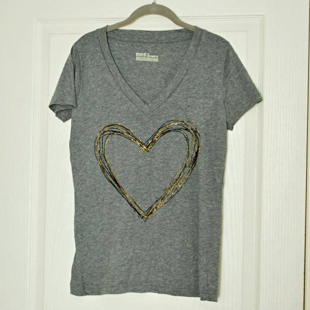 "the DIY: ""CLASSY"" PUFF PAINT TEE - as T-shirt makeovers go this one actually looks like something I would like to do!"