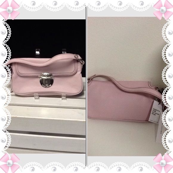 NWT Authentic Marc Jacobs HandbagSALe This Light Pink Leather Handbag is great for the summer. Marc Jacobs Bags