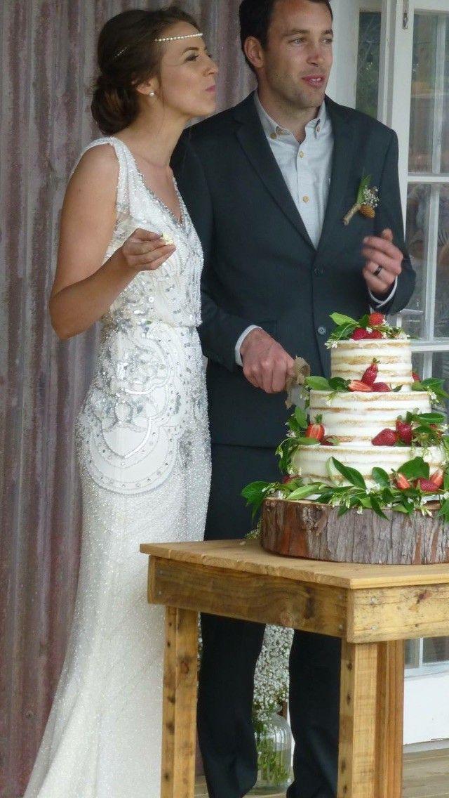 Best 25+ Used wedding dresses ideas on Pinterest   Used ...