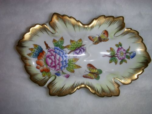 Herend Dish Queen Victoria Pattern with Butterflies