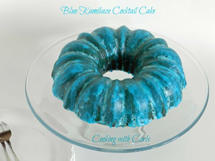 Blue Kamikaze Cocktail Cake & happy cassi day 2 - Cooking With Curls