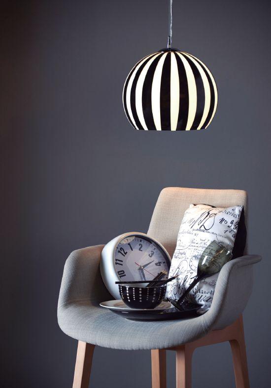 Agrega un estilo minimalista en blanco y negro a tus espacios.   #Home #Light #Style #Deco #Easy #EasyTienda #TiendaEasy #decotendencias