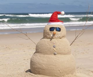 'Snowman'.. or New Zealand sand man on the beach for that christmas feeling...