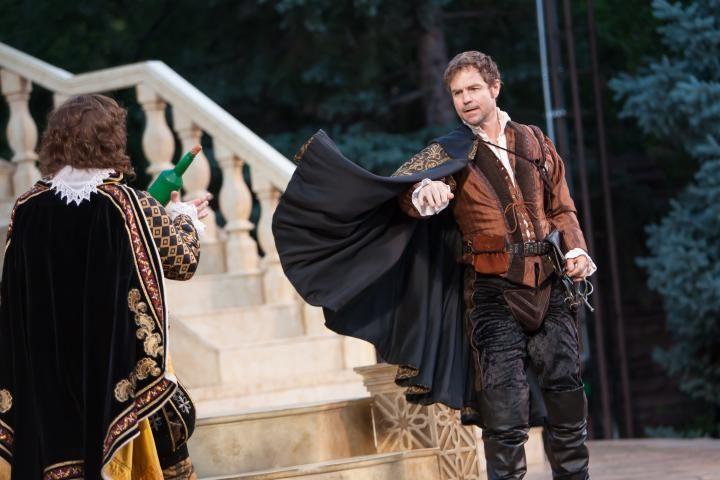 shakespeare play othello essay