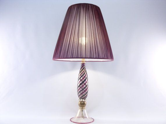 Precious lamp with Murano glass base of the prestigious company Gabbiani in Venice.  €1830,00