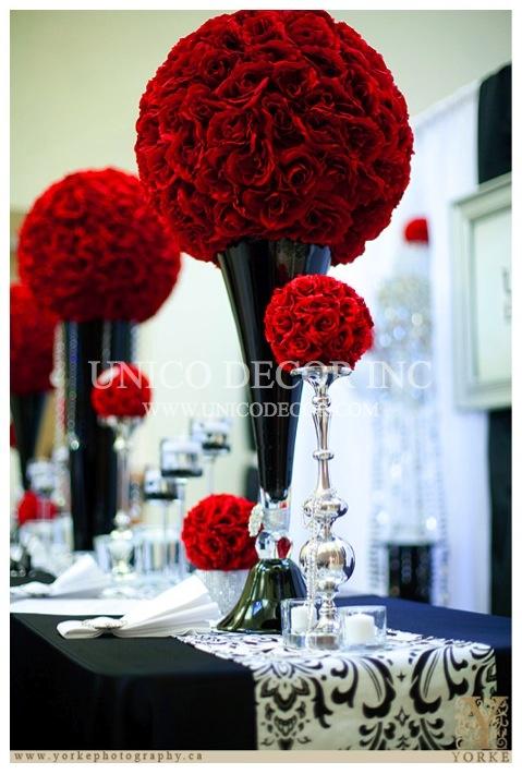 Creating a dramatic impact. #dramaticdecor #reddecor #roseballs #galavase #unicodecor  www.unicodecor.com