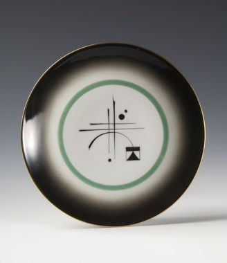 Plate by Nora Gulbrandsen for Porsgrund Porselen. Production year 1931