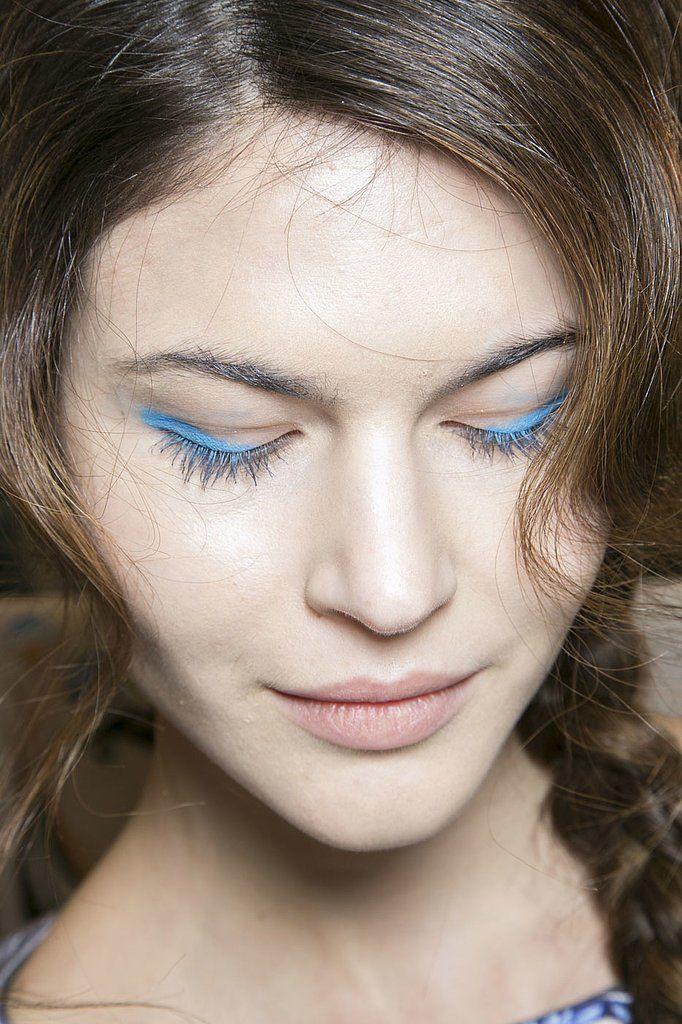 6 xu hướng nổi bật từ London Fashion Week Blue eye