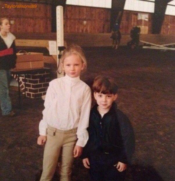 Taylor et son frère - old picture trop belle quand elle etait petite mes elle est toujours aussi belle
