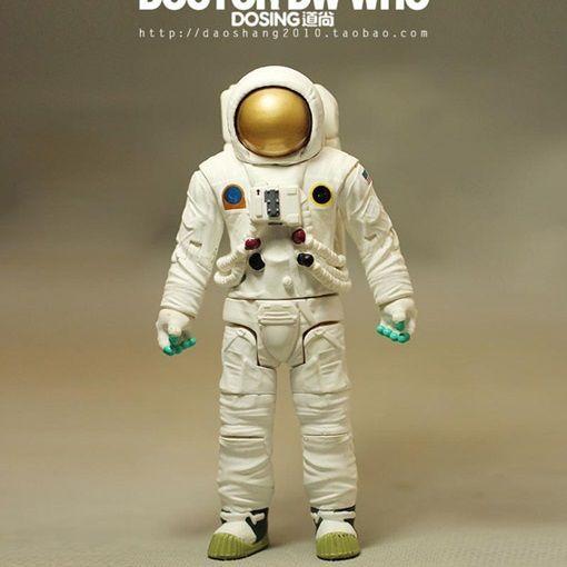 แอนิเมชั่โรงรถเด็กหมอของเล่นแบบ:บีบีซีรูปการกระทำตุ๊กตาพีวีซีผู้หญิงนักบินอวกาศรุ่นตกแต่งของขวัญที่ยอดเยี่ยม(China (Mainland))