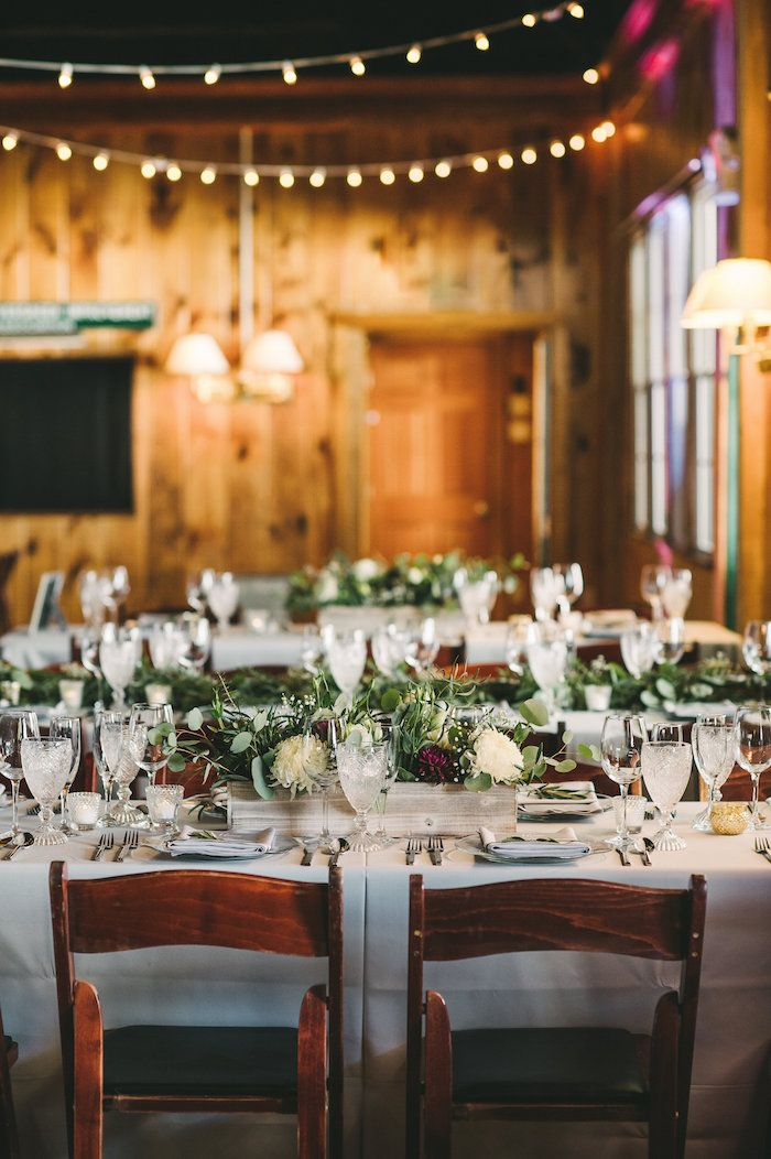 Rustic-Chic Reception Décor | Photo: Briana Moore Photography.