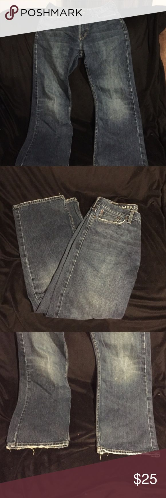American eagle dark wash jeans Guc, some fraying on the bottom. 30/30. No trades, no PP, no offsite transactions. Dog friendly smoke free home. I will gladly provide measurements if asked ☺️ American Eagle Outfitters Jeans Bootcut