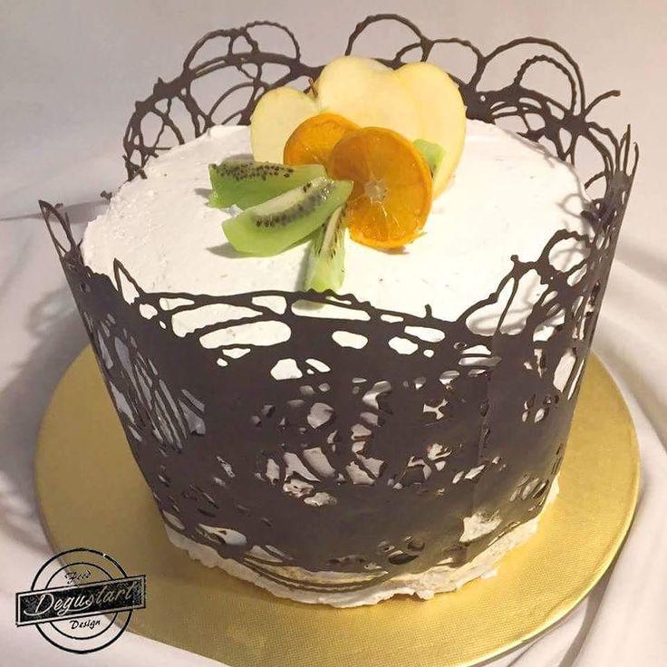 Torta sin azúcar de bizcocho amapola rellena con mermelada de mango y manjar :)   Hagan sus pedidos a degustartcotizaciones@gmail.com o através de nuestro fanpage.