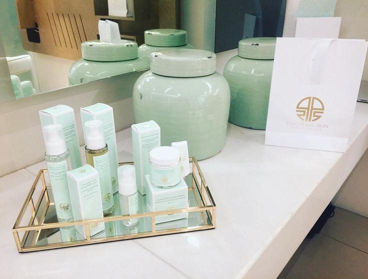 """75 """"Μου αρέσει!"""", 4 σχόλια - PORCELAIN SKIN Beauty (@porcelainskin.care) στο Instagram: """"Χρονια σας πολλα!! Σας περιμένουμε για μια περιποίηση στο Attica στο golden hall! Αποτοξίνωση μετα…"""""""