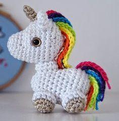 Free unicorn crochet pattern: Amigurumi