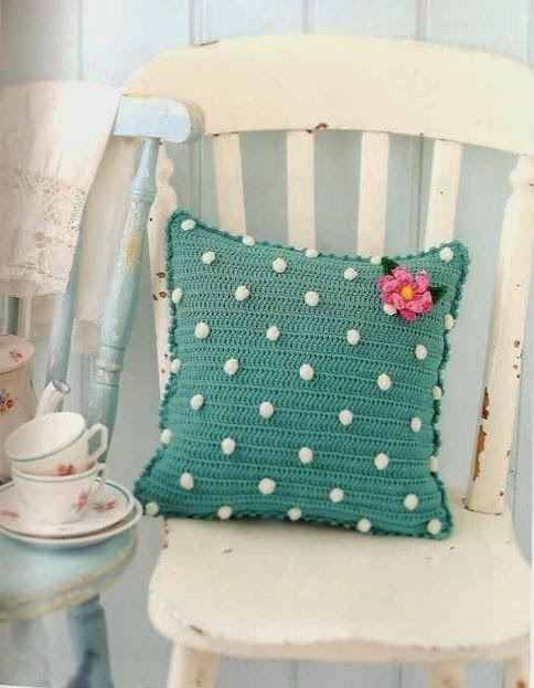 Розовые аксессуары в вязание и вязание крючком: Подушки