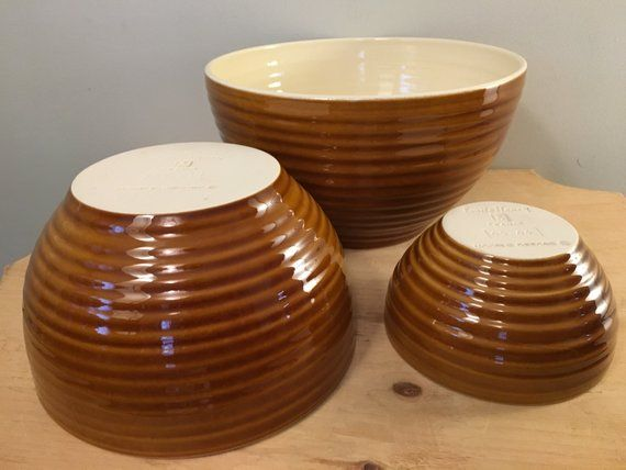 White Le Creuset 2 qt Small Ribbed Rim Stoneware Mixing Bowl
