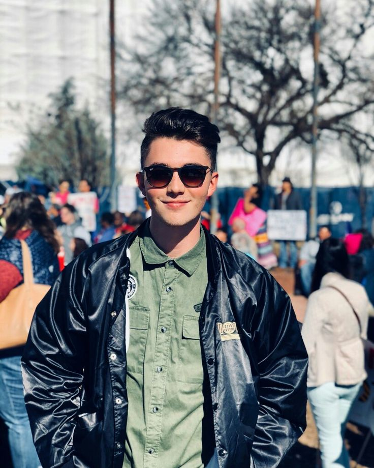 Greyson at Women's March 2018. A proud Oklahoma's boy. #greysonchance #Oklahoma #WomensMarch2018 #picture