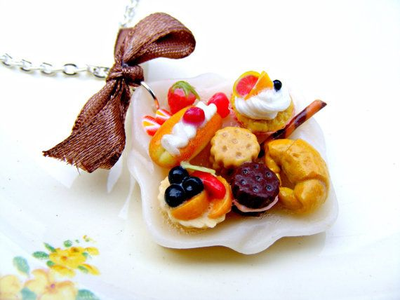Polymer Clay Cake Necklace, Polymer Clay Jewelry, Miniature Food, Polymer Clay Food, Kawaii Polymer Clay Charm, Kawaii Cake Necklace