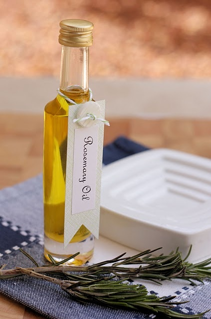 rosemary infused olive oil - for pizza, yum