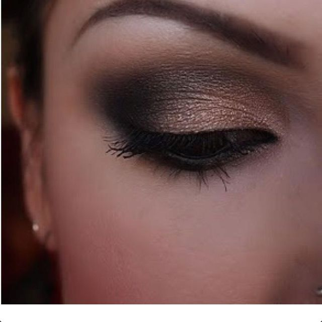 Bronze/brown eyeshadow