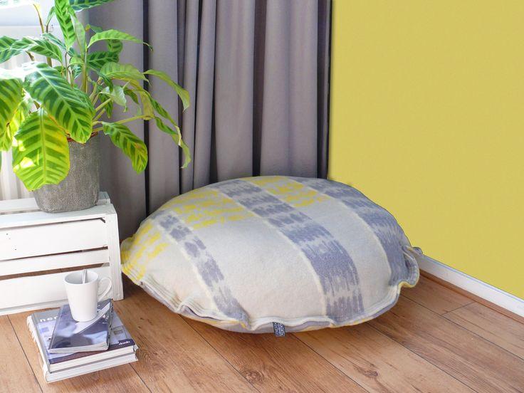 vintage-dekenstof-leefkussen-geel-grijs