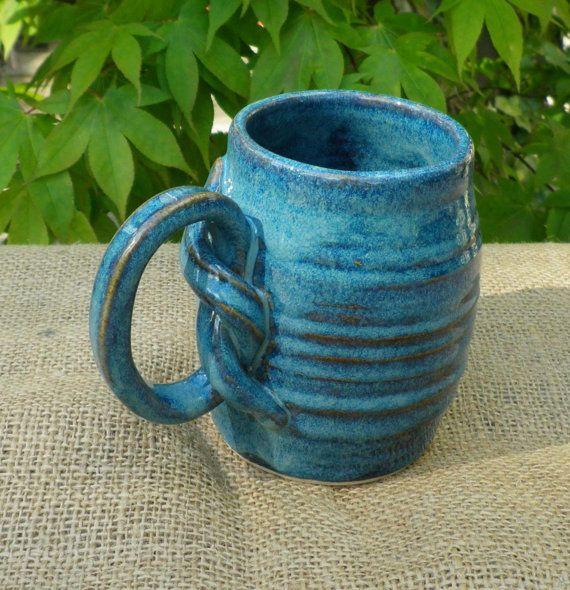 Amazing handle on this big mug