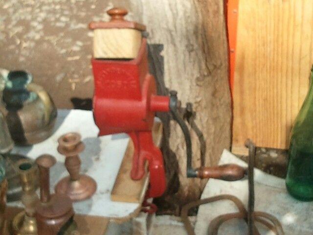 Maquina de moler , feria de las pulgas Peñalolen Santiago Chile