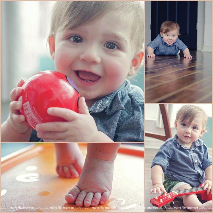 Family photography. Learning to crawl. Baby feet. 9 month old. Baby boy. Fun. Red ball. Smile. Cute. Guitar. Baby musician.  - Photographie de famille. Apprendre a ramper. Petits pieds. 9 mois. Bébé garçon. plaisir. Sourire. balle rouge. Guitare. Bébé musicien. Mignon