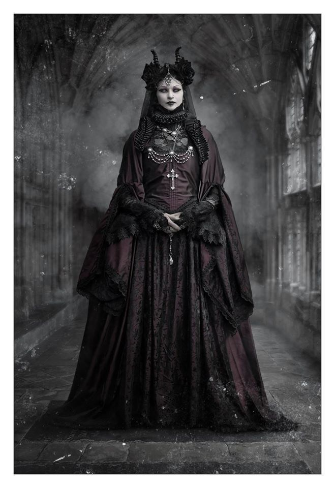 """wondrous-beauties: """" Morticia-Eve Photography:  Christian Anders Photograph """""""
