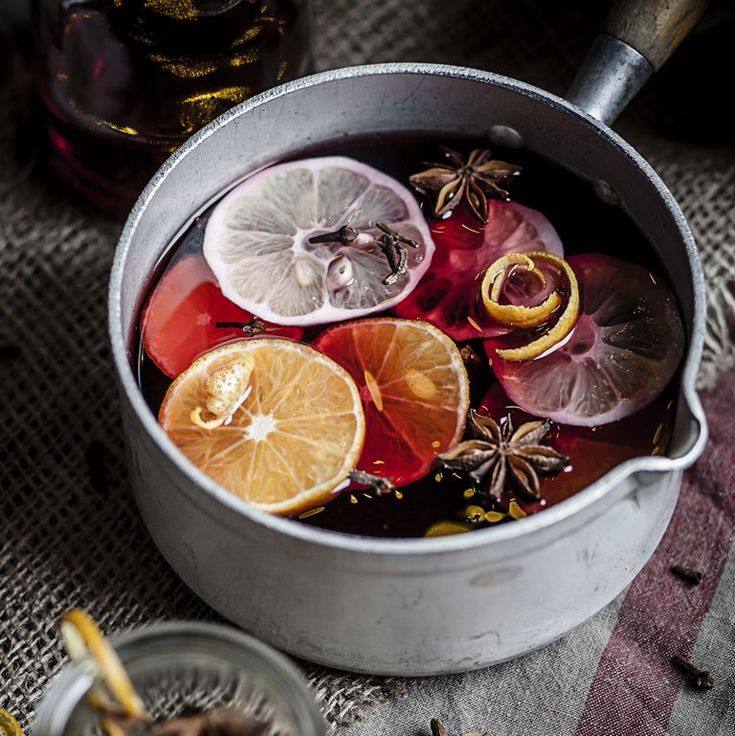Make Room Smell Good: 8 Ways To Make Your Home Smell Amazing This Season