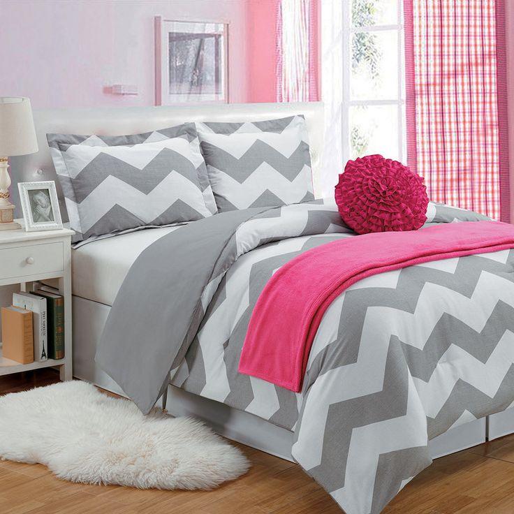 Chevron Comforter Set in Gray