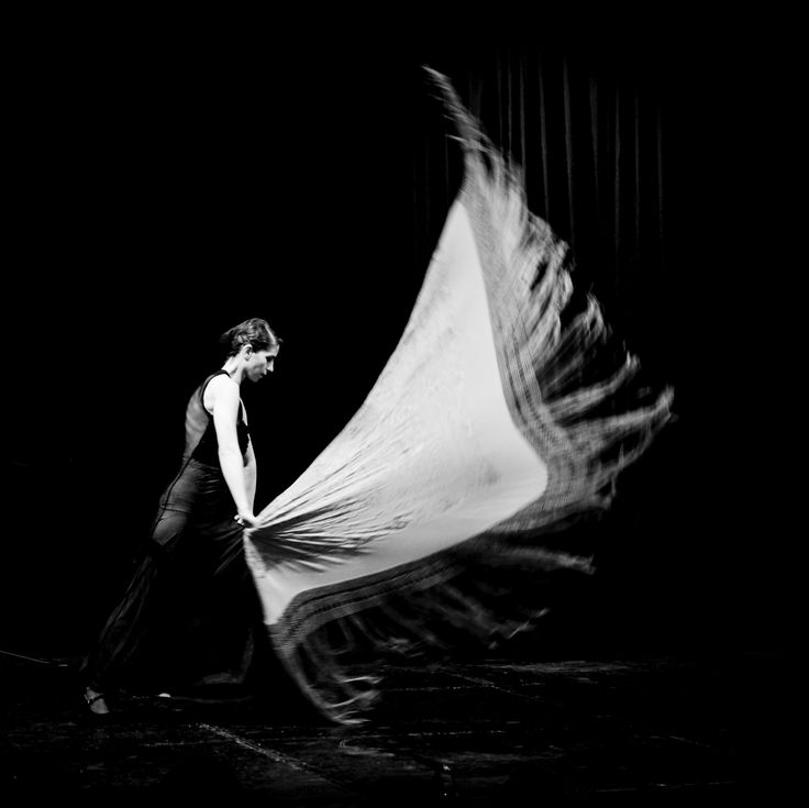 Flamenco shawl. Belowed. Modo de Vida concert. Moscow. #фламенко #flordelflamenco #spanishow #flamenco bolero.su dance co @ Москонцерт