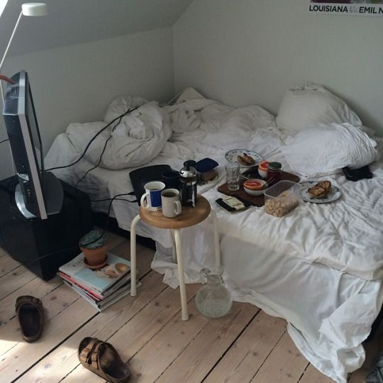 25 Best Ideas About Messy Bedroom On Pinterest Messy