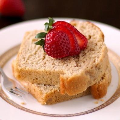 Vanilla Bean Pound Cake (low calorie): Cakes Desserts, Healthy Desserts Recipes, Low Calories, Cakes Low, Pound Cakes Recipes, High Protein, Vanilla Beans, Beans Pound, Mr. Beans