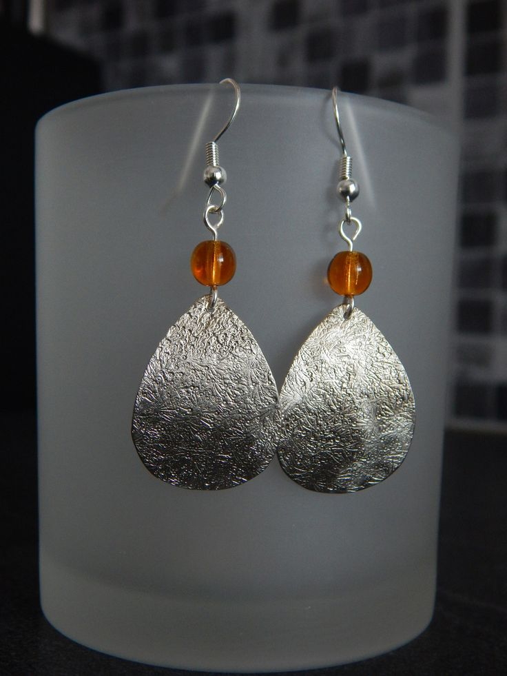 """Boucles d'oreille """"Goutte"""" argentées perles Jaune Topaze : Boucles d'oreille par bijou-lie"""