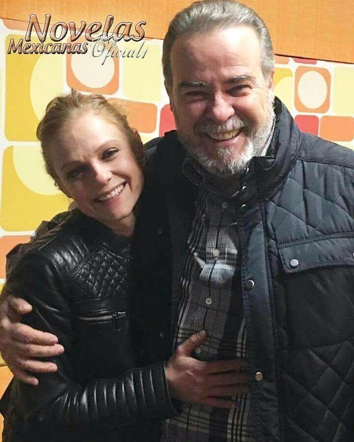 """regram @novelas_mexicanas_oficial1 #FotoNova de Ana Layevsca e César Évora. Eles foram pai e filha na novela """"A Madrasta"""" quem se lembra?? @analayevska1 #cesarevora #analayevska #guapos #hermosos #reencontro #telenovela #telenovelamexicana #novela #novelasmexicanas #mexico #televisa #brasil #sbt #televisao #tv #entretenimento #drama #romance #novelassbt #novelasdatarde #asmelhores #sucesso #top #boanoite"""
