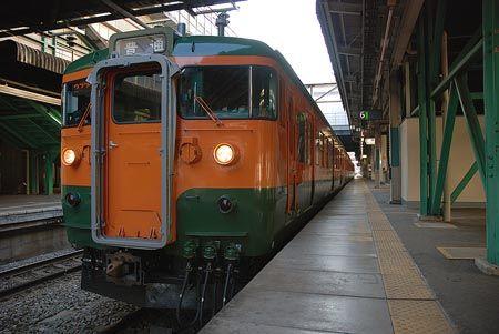 こんなに早く来なくても、この後に会う友人達との約束には間に合う。それでも、列車と駅の情景をゆっくり感じ取り、移動自体を旅として楽しんでいる。2008/12 高崎駅 JR上越線2773M渋川行(115系)© 2010 風旅記(M.M.) 風旅記以外への転載はできません...
