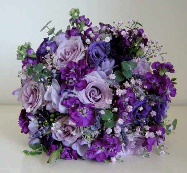 фиолетовые цветы на свадьбу