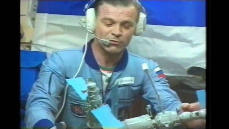 """Космическая станция """"Мир"""" раскрывает тайны..."""