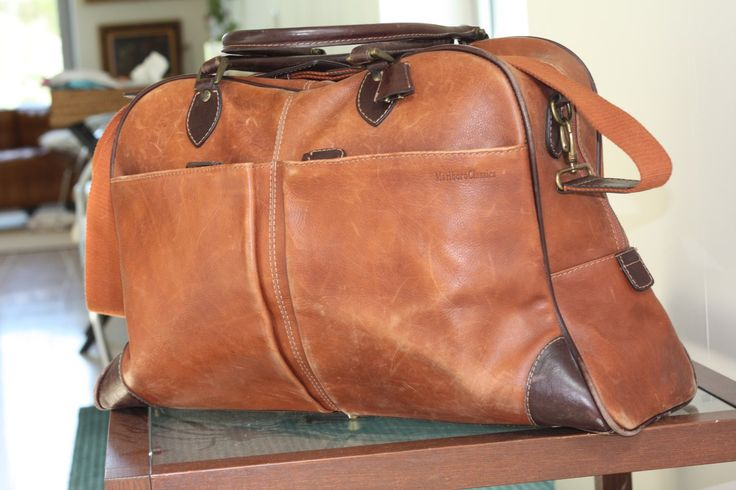 Marlboro Classic Leather vintage Travel Bag przed i po renowacji SkinMyWay