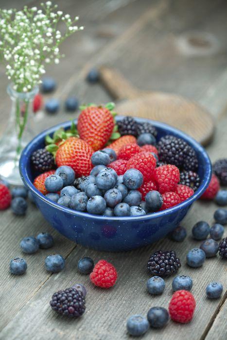 Fruits!: Strawberries, Happy Food, Blackberries, Blueberries, Fast Food, Healthy Food, Raspberries, Bowls, Fresh Fruit