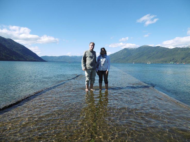 Der Lago Caburgua befindet sich nordöstlich von Pucón und kann wunderbar an einem Tag mit dem Fahrrad erreicht werden.   Der See hat eine sehr schöne kräftig blaue Farbe.