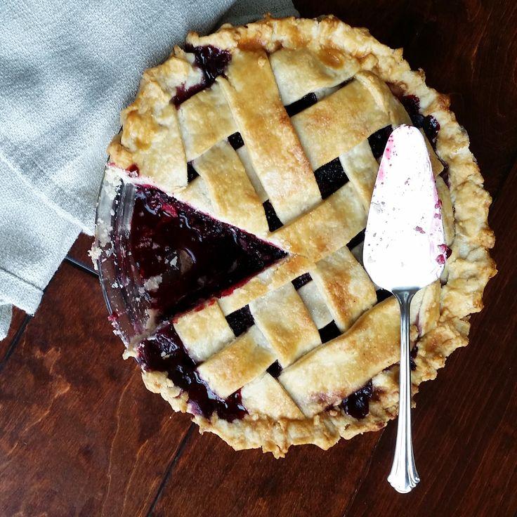 Easy Homemade Blackberry Pie Blackberry pie, Easy
