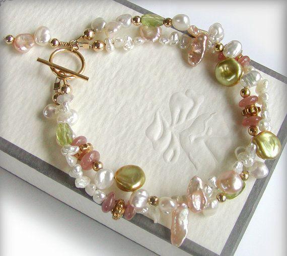 Keishi Pearl Bracelet Multi Strand Peridot por jQjewelrydesigns