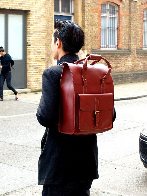 The bag that everybody seems to drool over - a bag is just as important to a guy as it is to a woman, remember that folks.